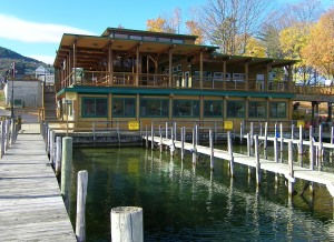 Boardwalk restaurant with an awesome view on the lake